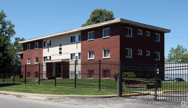 Keystone Apartments Refinance, Indianapolis, IN